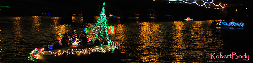 /images/500/2008-12-13-tempe-lights-boats-63841sp.jpg - #06499: APS Fantasy of Lights Boat Parade … December 2008 -- Tempe Town Lake, Tempe, Arizona