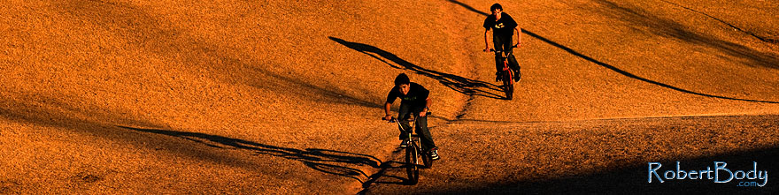 /images/500/2009-01-12-gilbert-jumps-74976sp.jpg - #06895: Bike jumps in Gilbert … January 2009 -- Discovery Park, Gilbert, Arizona