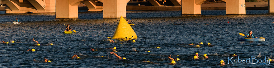 /images/500/2009-09-27-nathan-tri-swim-113897sp.jpg - #07507: 00:41:11 - Swimmers at Nathan Triathlon … September 2009 -- Tempe Town Lake, Tempe, Arizona