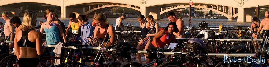 /images/500/2009-10-11-pbr-off-tri-115080sp.jpg - #07540: 20 minutes before the race - PBR Offroad Triathlon, Oct 11, 2009 at Tempe Town Lake … October 2009 -- Tempe Town Lake, Tempe, Arizona