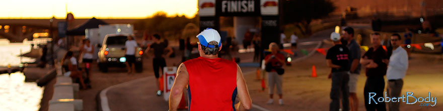 /images/500/2009-10-22-tempe-splash-run-117683sp.jpg - #07604: 00:26:26 into the race - Splash and Dash Fall #3, Oct 22, 2009 at Tempe Town Lake … October 2009 -- Tempe Town Lake, Tempe, Arizona