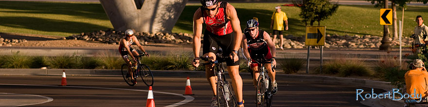 /images/500/2009-10-25-soma-bike-118271sp.jpg - #07624: 01:05:08 #143 cycling at Soma Triathlon … October 25, 2009 -- Rio Salado Parkway, Tempe, Arizona