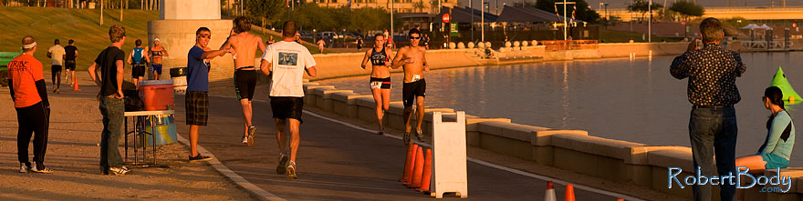 /images/500/2009-10-30-tempe-splash-run-120419sp.jpg - #07794: 00:47:01 into the race - Splash and Dash Fall #4, October 30, 2009 at Tempe Town Lake … October 2009 -- Tempe Town Lake, Tempe, Arizona