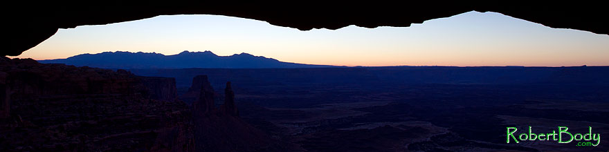 /images/500/2010-09-14-canyonlands-mesa-33722sp.jpg - #08738: Mesa Arch at sunrise in Canyonlands National Park … September 2010 -- Mesa Arch, Canyonlands, Utah