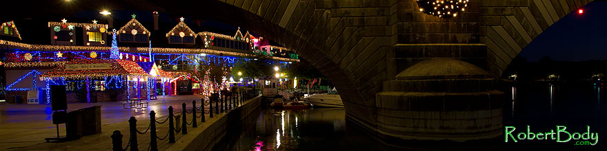 /images/500/2010-12-13-havasu-bridge-46785sp.jpg - #08983: Christmas at London Bridge in Lake Havasu City … December 2010 -- London Bridge, Lake Havasu City, Arizona