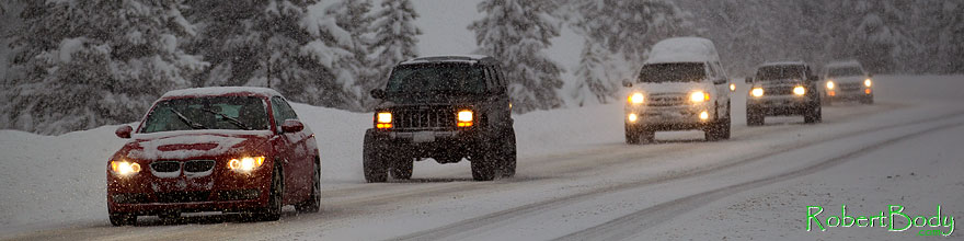 /images/500/2010-12-20-loveland-cars-47236sp.jpg - #09004: BMW, Jeep Cherokee and snow by Loveland Pass … December 2010 -- Loveland Pass, Colorado