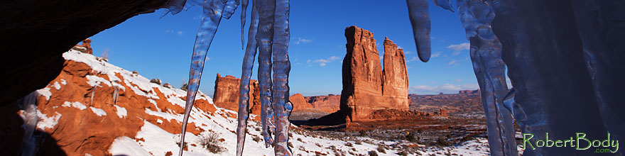 /images/500/2013-12-24-arches-court-ice-1dx_7991sp.jpg - #11445: Courthouse Towers in Arches National Park … December 2013 -- Courthouse Towers, Arches Park, Utah